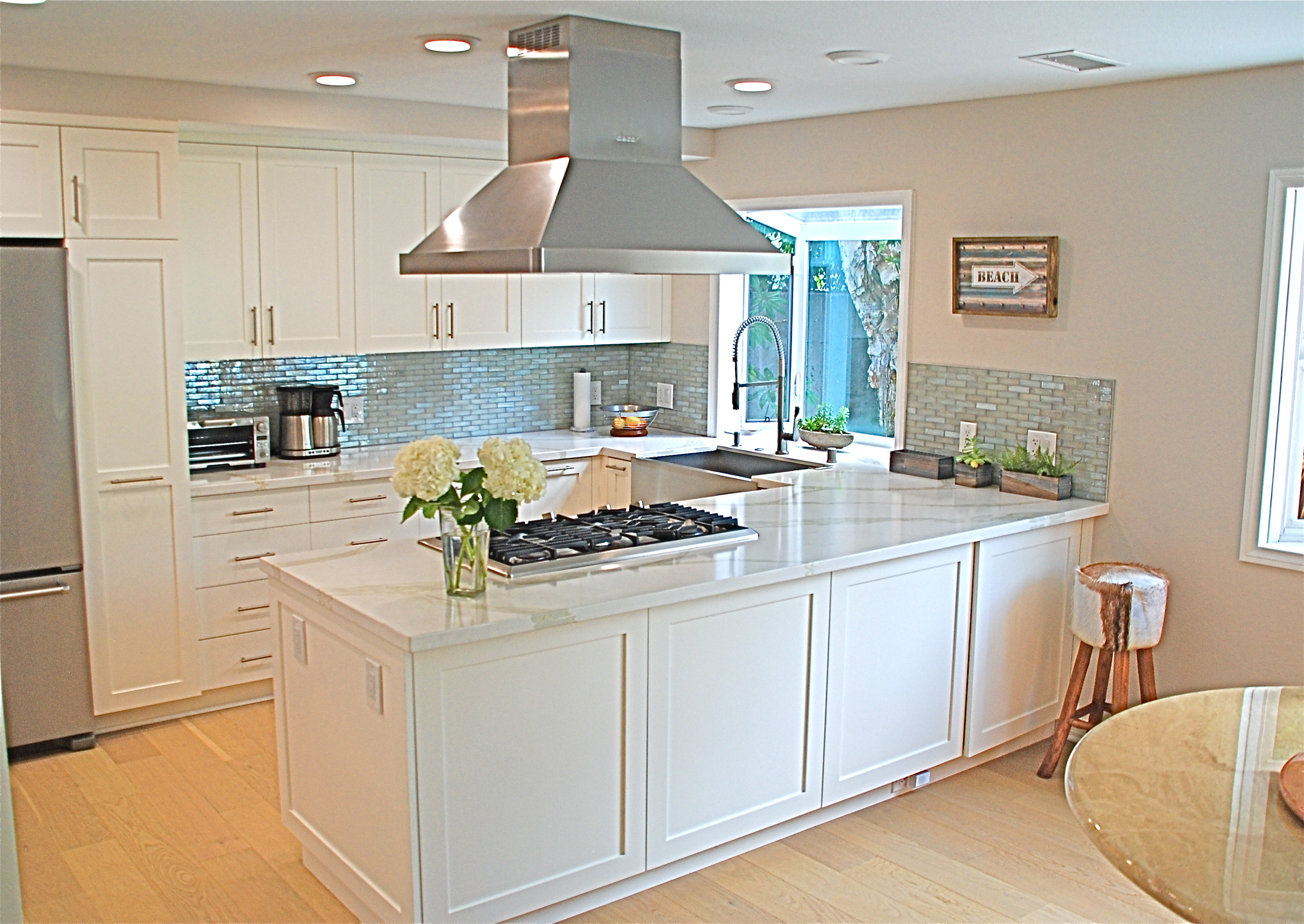 Contemporary White Kitchen With A Touch Of Dazzle Stefani Conniff